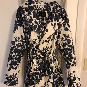 NWOT Jessica Simpson floral trench